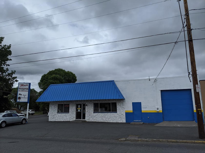 outside of Mac's Radiator eugene oregons auto repair shop location